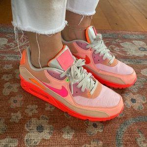 Neon Nike Air Max 90